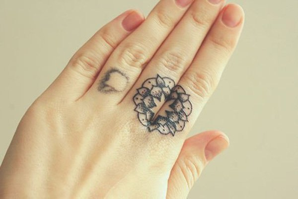 6-mandala-tattoo-on-finger