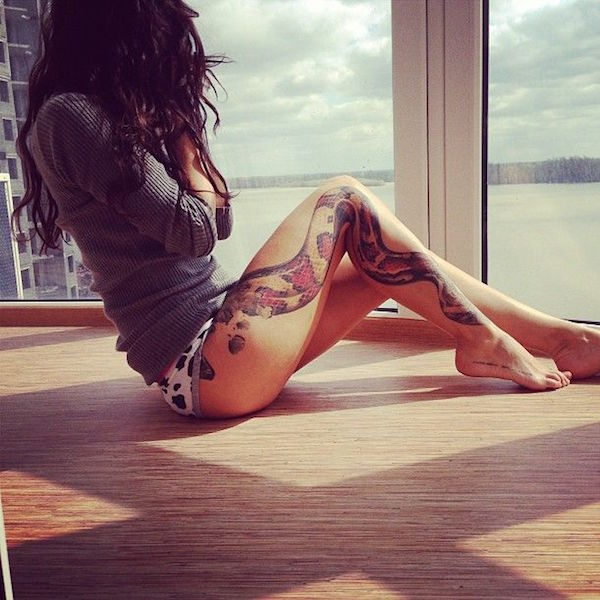 sexiest-thigh-tattoos-29