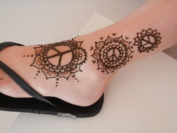 16110416-henna-tattoo-designs-