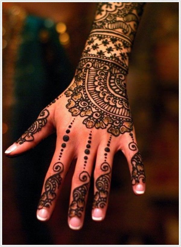 Beautiful Henna Tattoo Designs For Your Wrist: 74 Terrific Henna Tattoo Designs That Will Add Elegance In