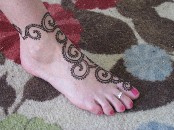 56110416-henna-tattoo-designs-