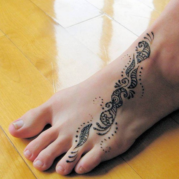 74 terrific henna tattoo designs that will add elegance in your appearance. Black Bedroom Furniture Sets. Home Design Ideas