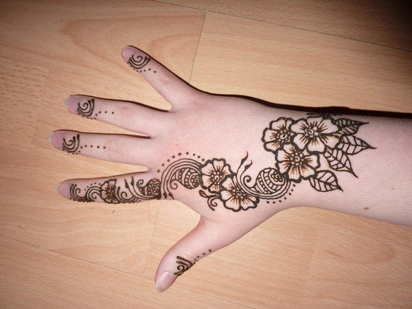 79110416-henna-tattoo-designs-