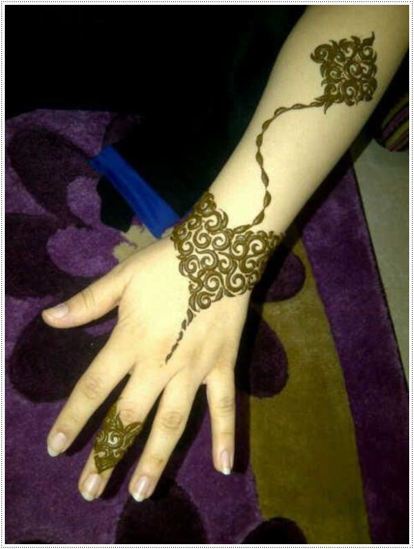 8110416-henna-tattoo-designs-
