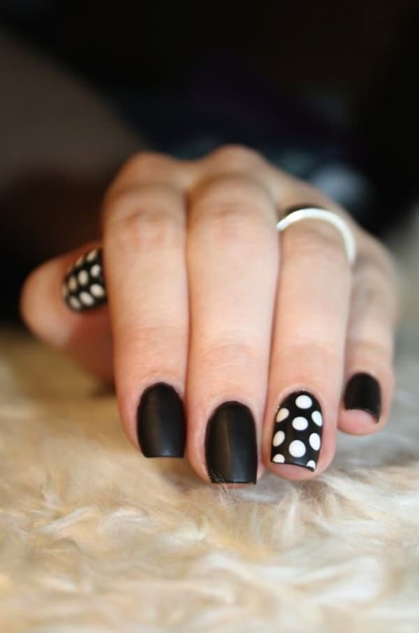black-and-white-nail-designs-2