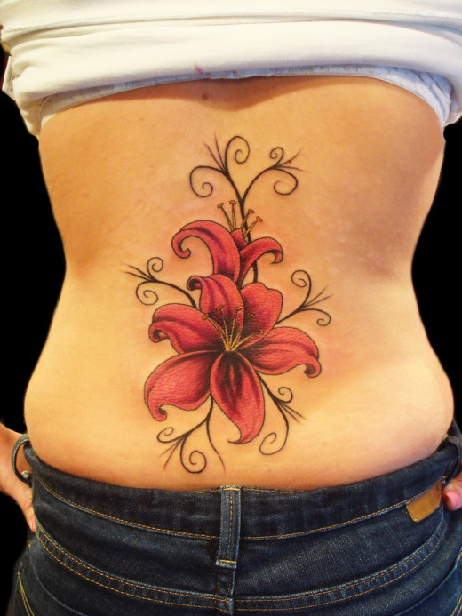 Flower-Tattoos-For-LA-Girls-On-Back-2