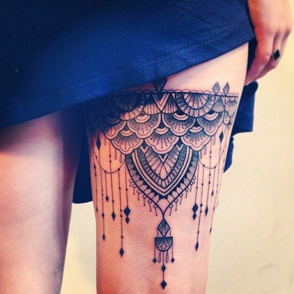 sexiest-thigh-tattoos-17