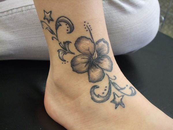4110416-lily-tattoo-designs-