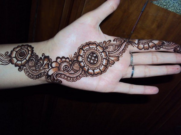 47110416-henna-tattoo-designs-