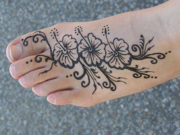 52110416-henna-tattoo-designs-
