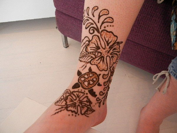 54110416-henna-tattoo-designs-
