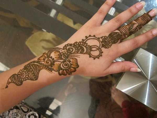 57110416-henna-tattoo-designs-